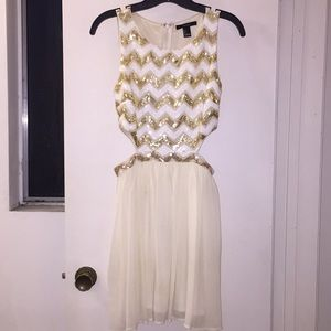 Semiformal Forever21 cream dress with gold sequins
